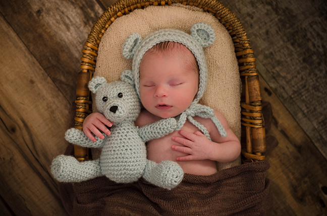 Organic, natural, vintage-inspired, newborn photography near Pittsburgh PA. Julie is one of Pittsburgh