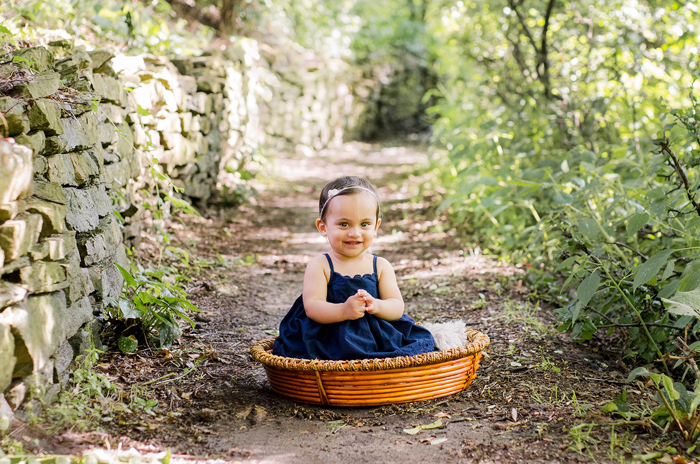 Organic, natural, creative, Baby Photographer in Mt. Lebanon. Julie Bradley is Pittsburgh