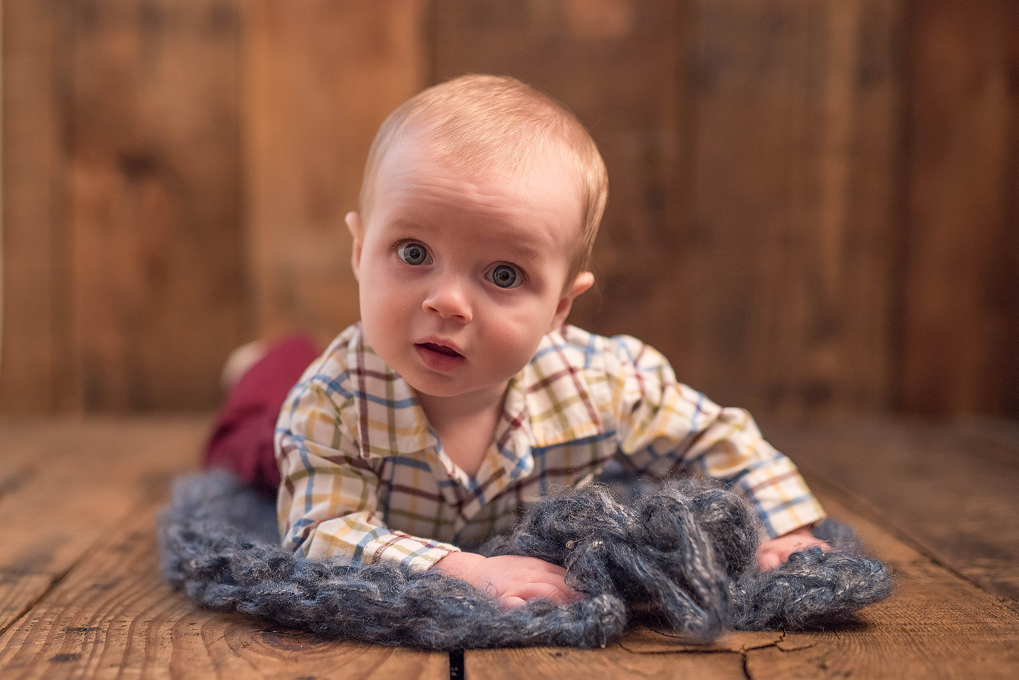 6 Month baby photography Pittsburgh. Julie Bradley is Pittsburgh