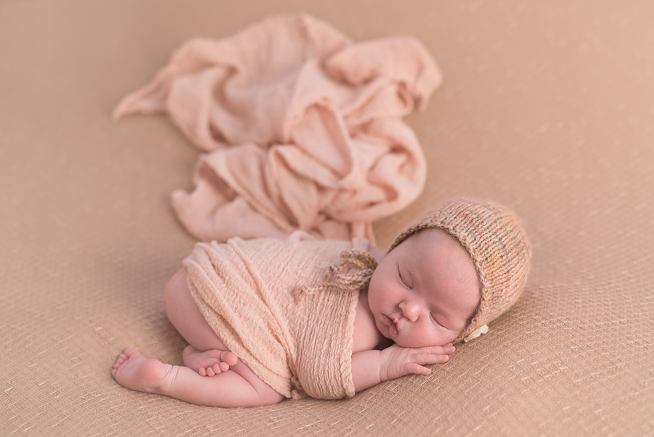 Infant Pictures Pittsburgh. Julie Bradley is Pittsburgh