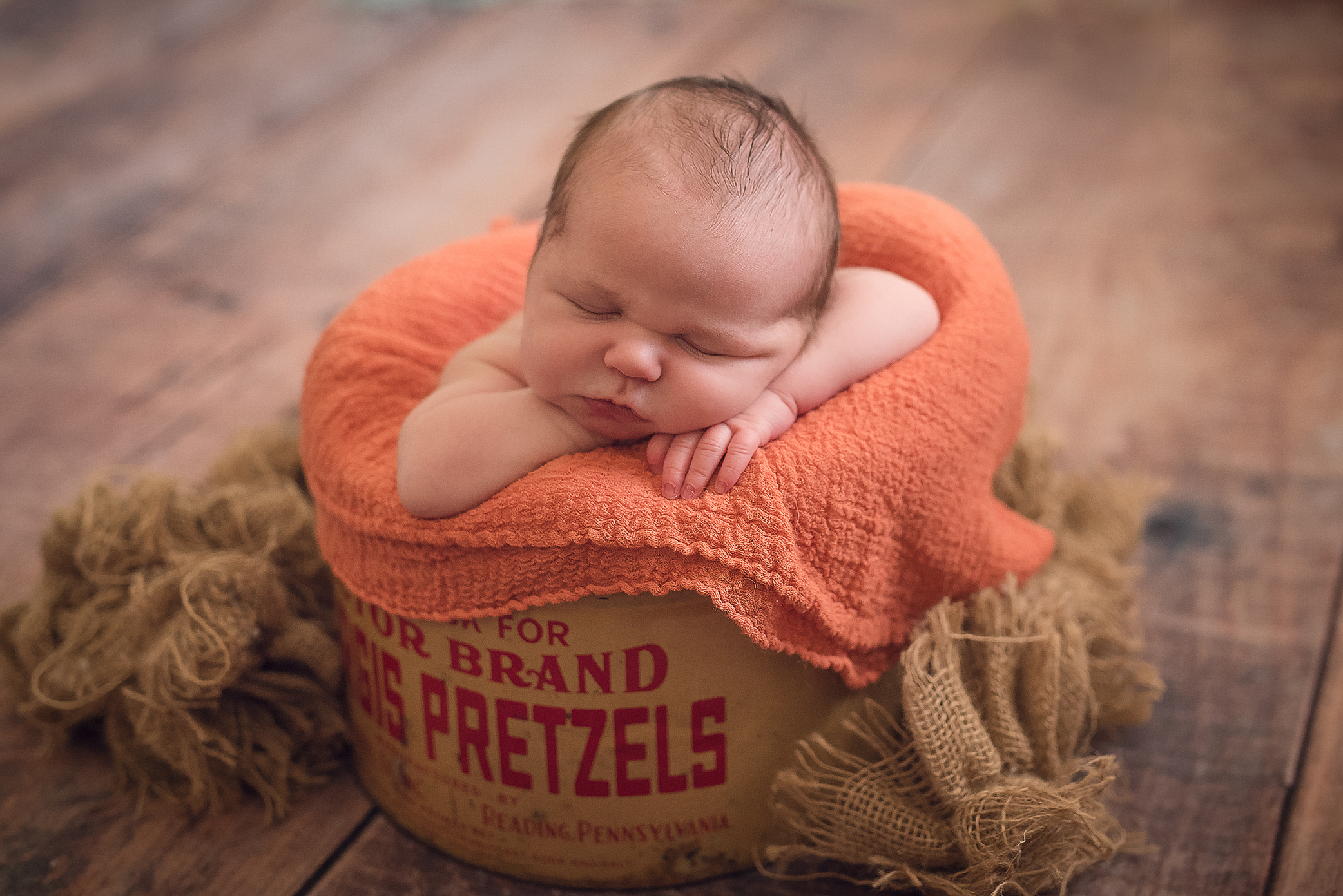 Newborn Professional Photography. Julie Bradley is Pittsburgh