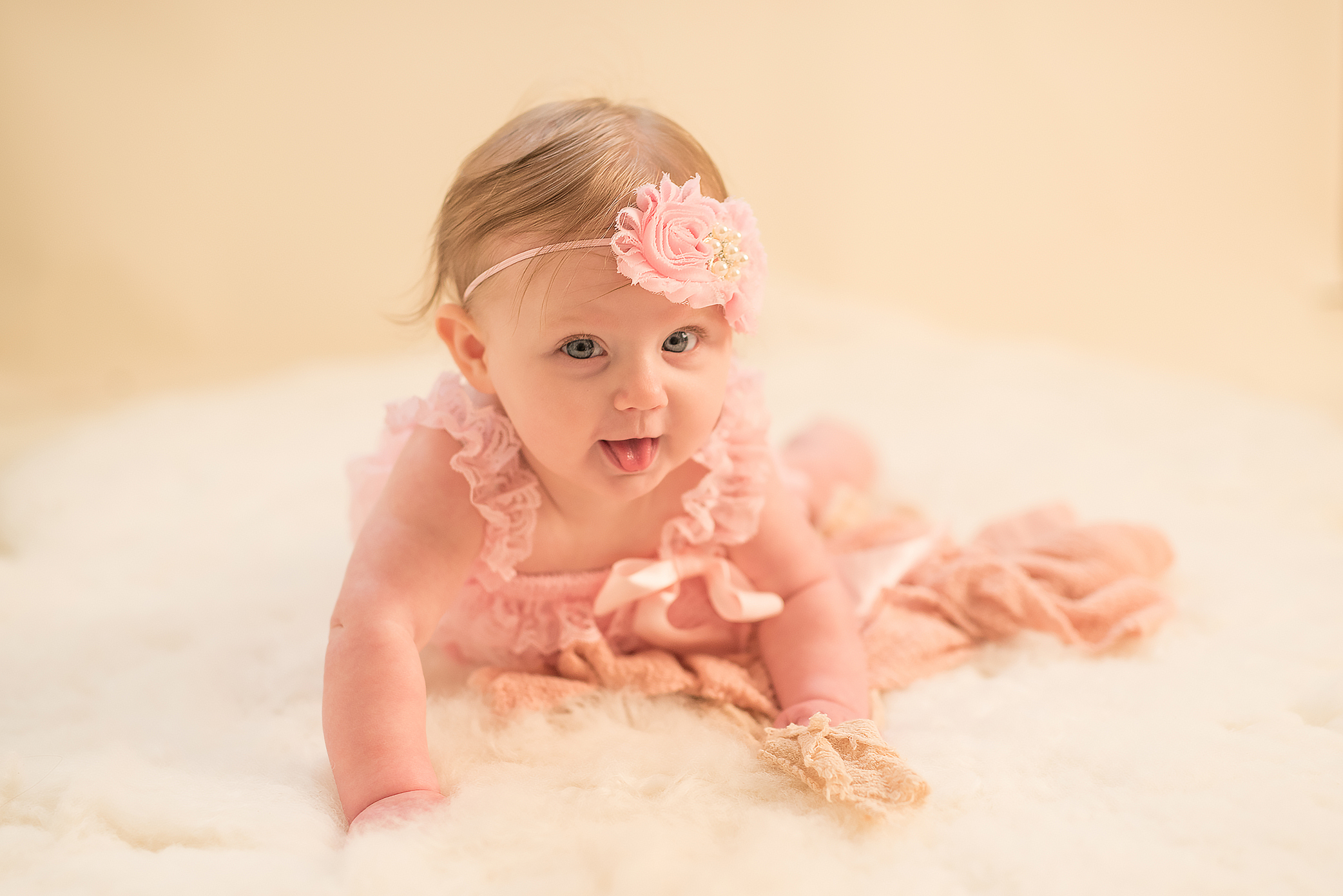 Pittsburgh Baby Photographer. Julie Bradley is Pittsburgh
