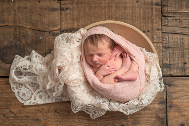 Premier Newborn Photography Pittsburgh. Julie Bradley is Pittsburgh